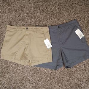 Woman's Chino Shorts